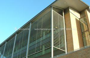 Giải pháp chống nắng cho chung cư bằng lam nhôm, lam chắn nắng, chớp chắn nắng