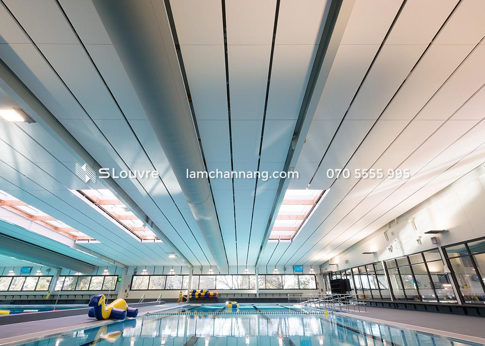 tran-nhom-be-boi-pool-aluminium-ceiling-7