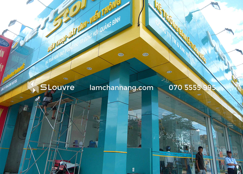 tam-op-nhom-showroom-aluminium-panel-1